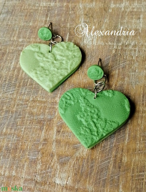 Zöld fülbevaló - ékszer - fülbevaló - lógó fülbevaló - Meska.hu