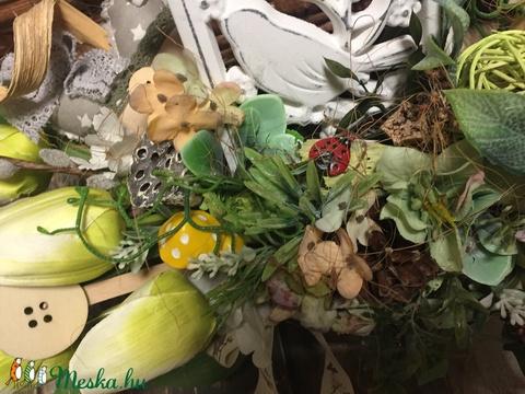 Asztaldekoráció tulipánokkal  - Meska.hu