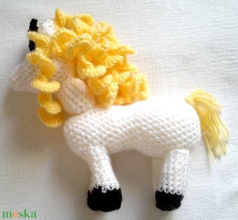 horgolt fehér egyszarvú ló, unikornis - játék & gyerek - plüssállat & játékfigura - unikornis - Meska.hu