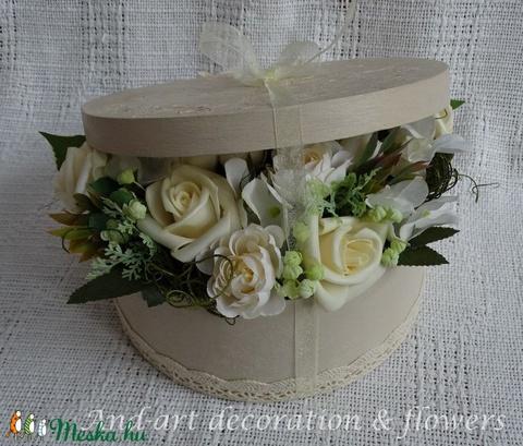 Elegáns virágdoboz a különleges alkalmakra...Esküvő, szülőköszöntő, anyák napja,születés. - Meska.hu