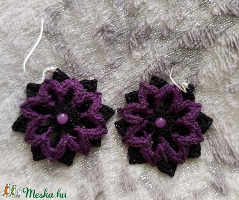 Dark violet-horgolt fülbevaló - Meska.hu