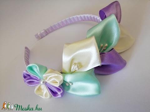 Lila virágos hajpánt. Kanzashi - Meska.hu