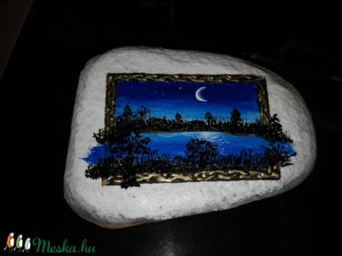 Holdfény, csillagok, folyópart - ez is kavicsvirág (aPiros) - Meska.hu
