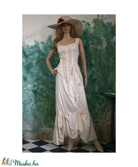 BORI - menyasszonyi ruha (Aranybrokat) - Meska.hu