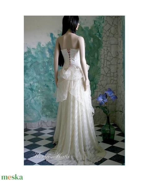 CAMILLE menyasszony (Aranybrokat) - Meska.hu