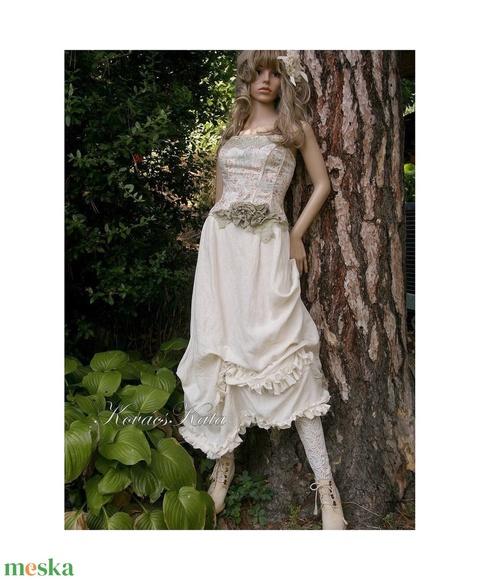 CATHERINA - design ruha (Aranybrokat) - Meska.hu