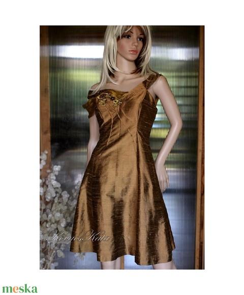 ÓARANY princessz - örömanya ruha (Aranybrokat) - Meska.hu