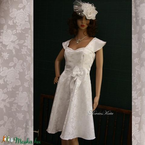 PIN-UP - brokát menyasszonyi ruha (Aranybrokat) - Meska.hu