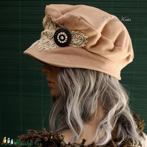 TAMARA - kézműves kalap (Aranybrokat) - Meska.hu