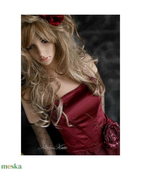 TILDA - romantikus dolly-ruha: buborék-szoknya fűzővel, menyecske ruha - Meska.hu