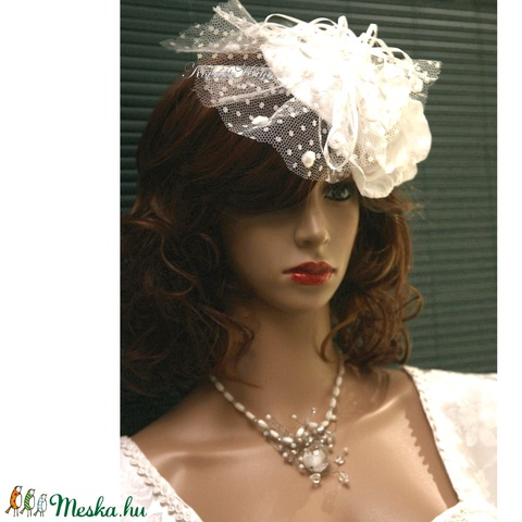 K I E G É S Z Í T Ő K  ......  FASCINATOR  - PIN-UP esküvői kalapka  (Aranybrokat) - Meska.hu