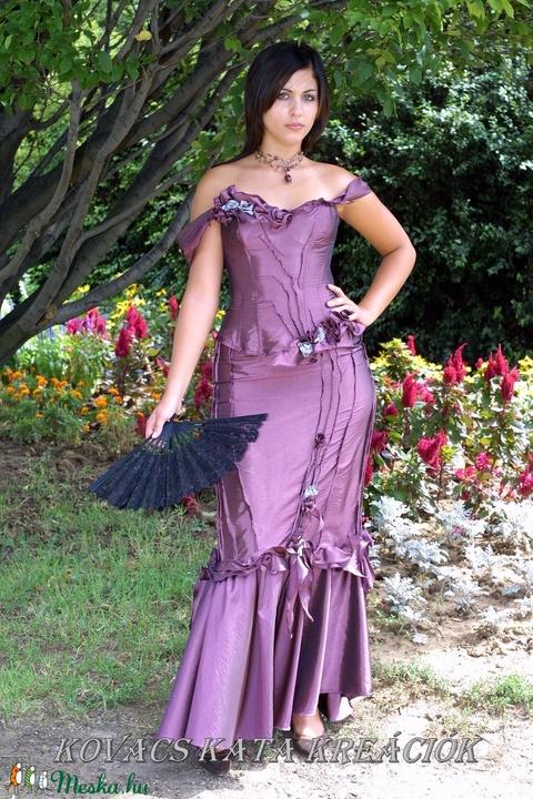LUDMILLA - romantikus exkluzív báli-ruha, alternatív menyasszonyi ruha (Aranybrokat) - Meska.hu