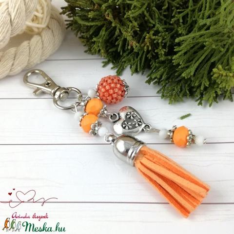 Narancs bojtos kulcstartó táskadísz anyák napja ballagás évzáró pedagógus karácsony szülinap névnap  (Arindaekszerek) - Meska.hu