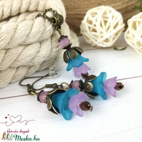 Tavaszi virágok kék lila virágos nyaklánc fülbevaló szett - Meska.hu