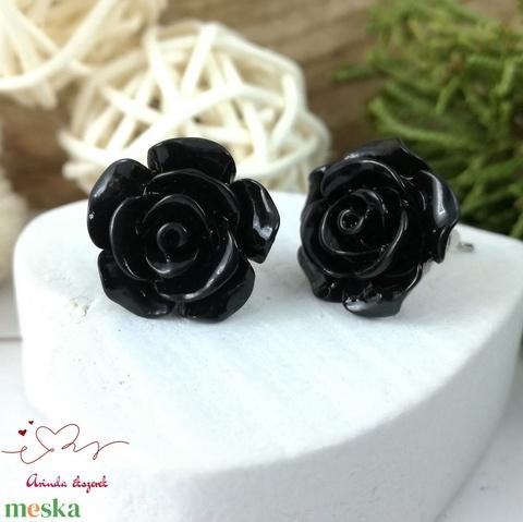 Fekete rózsás antiallergén nemesacél acél fülbevaló tavaszi nyári ajándék nőnek lánynak hétköznapra esküvőre - Meska.hu