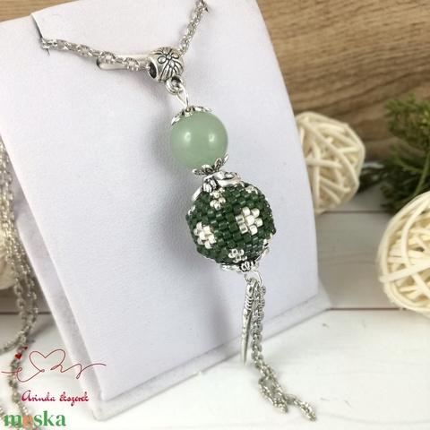 Zöld aventurin ásvány nyaklánc fűzött gyöngybogyóval - Meska.hu