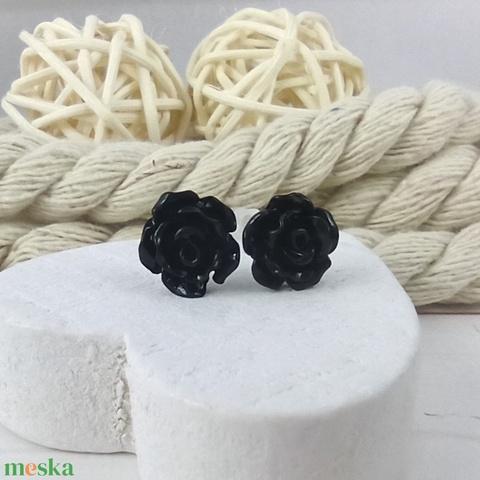 Apró fekete rózsás antiallergén nemesacél acél fülbevaló tavaszi nyári ajándék nőnek lánynak hétköznapra esküvőre - Meska.hu