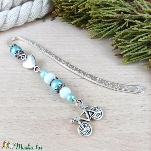 Biciklis vagyok kék könyvjelző anyák napja ballagás évzáró pedagógusnak karácsony szülinap névnap könyvmoly ajándék - Meska.hu