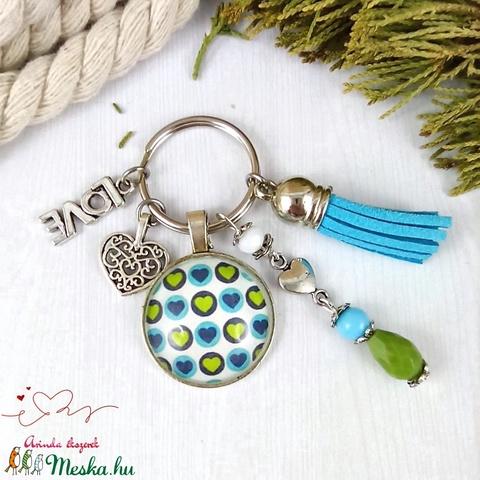 Szív mintás kék bojtos üveglencsés kulcstartó táskadísz bojtos nyár mikulás karácsony szülinap névnap ajándék  - Meska.hu