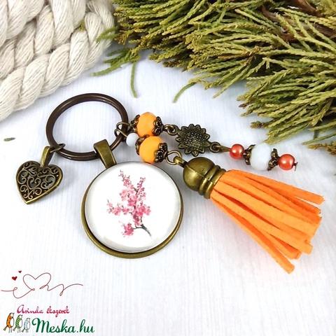 Japán cseresznye narancs bojtos üveglencsés kulcstartó táskadísz bojtos nyár mikulás karácsony szülinap névnap ajándék  - Meska.hu