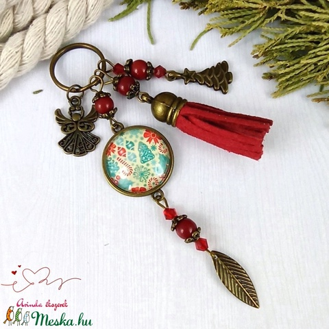 Karácsonyi álom bojtos üveglencsés kulcstartó táskadíszanyák napja ballagás évzáró pedagógus karácsony szülinap névnap   - Meska.hu