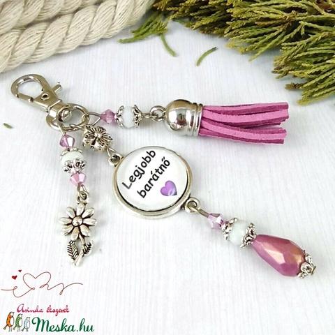 Legjobb barátnő feliratos lila bojtos üveglencsés kulcstartó táskadísz mikulás karácsony szülinap névnap ajándék  - Meska.hu