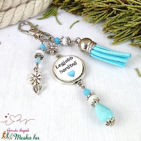 Legjobb barátnő feliratos kék bojtos üveglencsés kulcstartó táskadísz mikulás karácsony szülinap névnap ajándék  - Meska.hu
