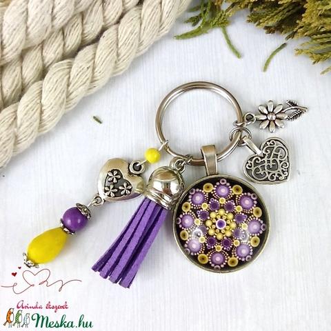 Mandala lila bojtos üveglencsés kulcstartó táskadísz anyák napja ballagás évzáró pedagógus karácsony szülinap névnap  - Meska.hu