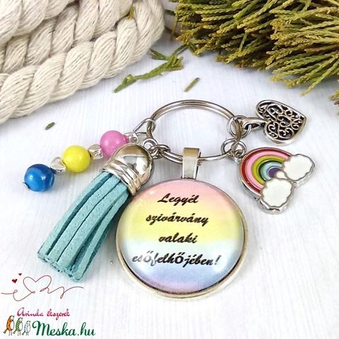 Legyél szivárvány kék bojtos üveglencsés kulcstartó táskadísz bojtos karácsony szülinap névnap nyár ajándék - táska & tok - kulcstartó & táskadísz - táskadísz - Meska.hu