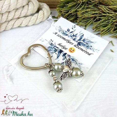 Ezüst angyalkás szív kulcstartó táskadísz ajándékcsomagolással anyák napja ballagás évzáró pedagógus karácsony szülinap - Meska.hu