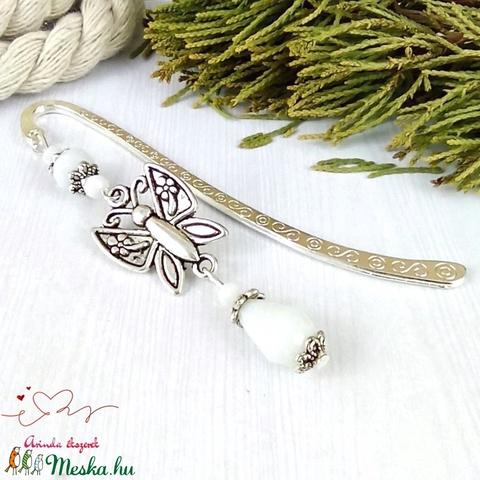 Fehér pillangós könyvjelző anyák napja ballagás évzáró pedagógus karácsony szülinap névnap könyvmoly ajándék - Meska.hu
