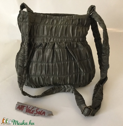 Zölden fénylő kicsi táska - Meska.hu