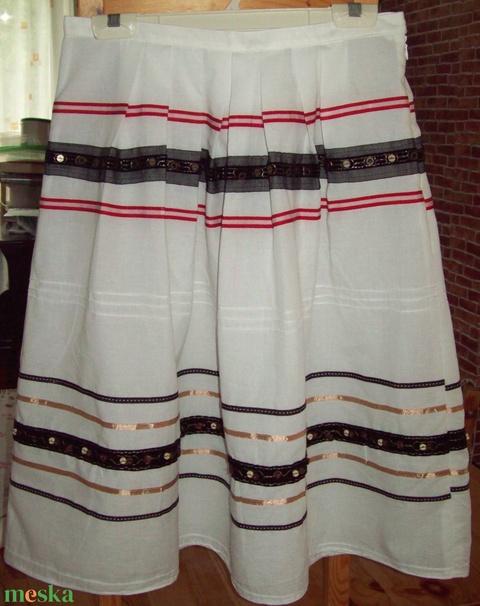Szoknya különleges anyagból - ruha & divat - női ruha - szoknya - Meska.hu