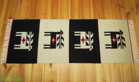 'MEGÚJULÁS' gyapjú szőnyeg, faliszőnyeg, szarvas motívummal - Meska.hu