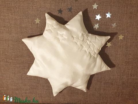 Selyem csillagpárna, bébi párna, keresztelőpárna, fehér csillag formájú párna, alkalmi párna - Meska.hu