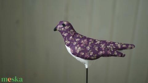 Sokoldalú tavaszi madárka, színes textil madár, madár alakú illatpárna, textil dekoráció  - Meska.hu