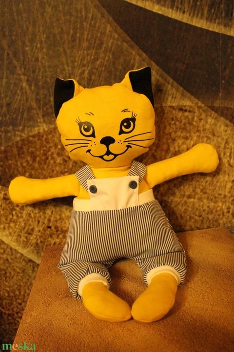 Csuti -öltöztethető cica baba kockás kantáros nadrággal együtt (benorplaza) - Meska.hu