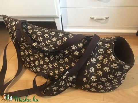 Tacskó méretű Mancs mintás kutyahordozó táska - Meska.hu
