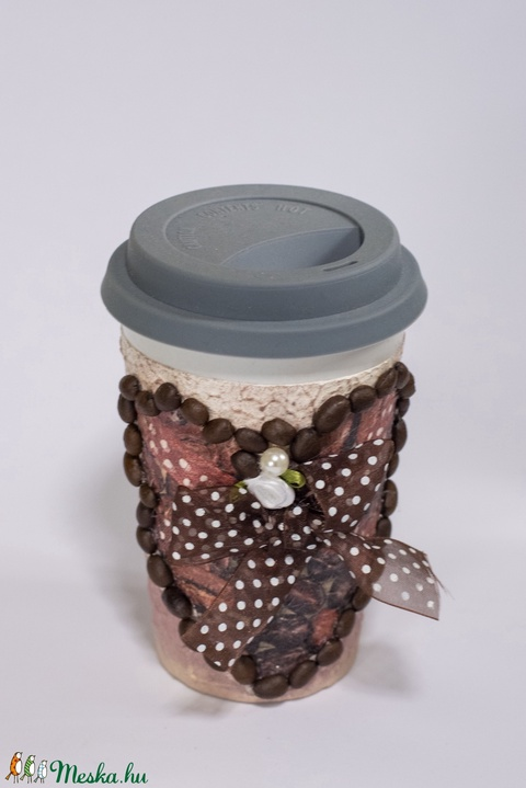 Kávés, cappucinos kerámia pohár szilikon fedővel, a hasznos utitárs mindehol, ajándék kávéimádóknak (Biborvarazs) - Meska.hu