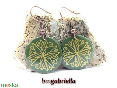 Zöld virágos - tűzzománc fülbevaló - kézműves ékszer - ékszer - fülbevaló - Meska.hu