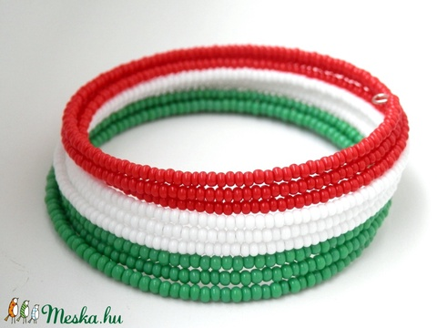 Piros fehér  zöld memóriakarkötő - Meska.hu