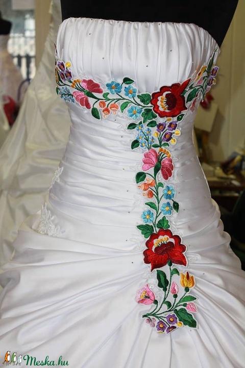 Kalocsai minta menyasszonyi ruhára /díszítősáv/ (Bodorka27) - Meska.hu