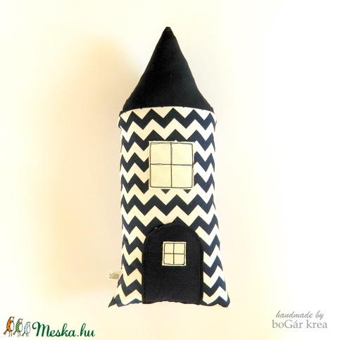 Szundi párna - cikcakkos házikó figura - sötét kék + fehér - Meska.hu