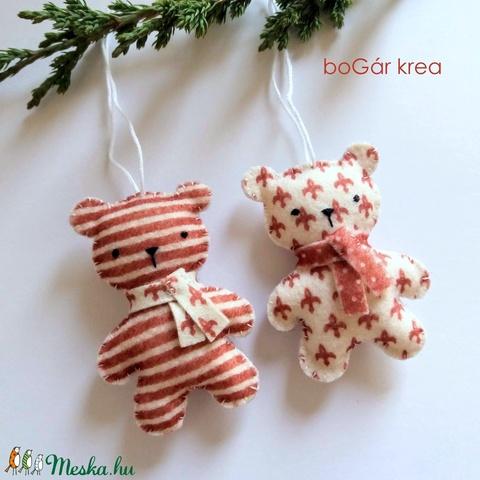 Piros mackók - csíkos, mintás - 2 db - karácsonyi dísz, függeszthető dekoráció - Meska.hu