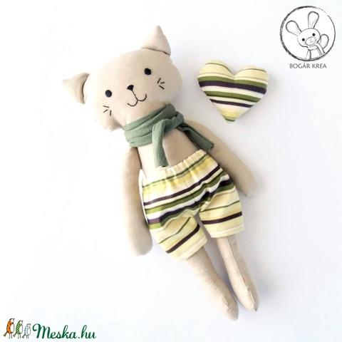 Moha, öltöztethető cica fiú, kabala szívvel (boGarkrea) - Meska.hu