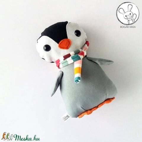 Pingvin bébi tarka sállal - textil figura - játék állat (boGarkrea) - Meska.hu