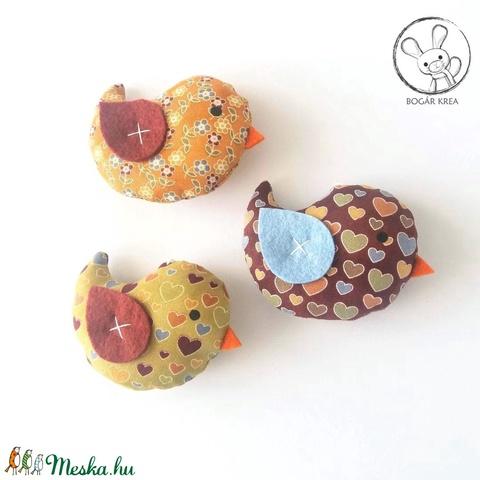 Kismadarak - szíves szett - 3 darab függeszthető dísz, dekor madár, lakásdísz (boGarkrea) - Meska.hu