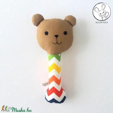 Maci csörgő, cikkcakkos, barna - bébi játék, textil figura, designer fejlesztő játék (boGarkrea) - Meska.hu