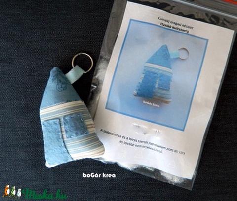 Csináld magad készlet - házikó kulcstartó - kék - Meska.hu