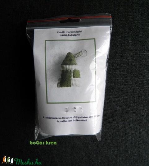 Csináld magad készlet - házikó kulcstartó - zöld - Meska.hu